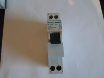 HAGER ML 716 C16 16 AMP (442716) SINGLE POLE MCB WITH NEUTRAL CIRCUIT BREAKER.